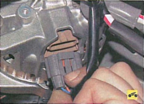 Замена ремня генератора лансер 9 своими руками